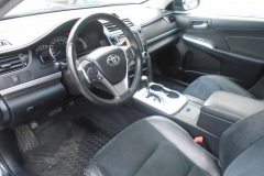 2014-Toyota-Camry-SE4